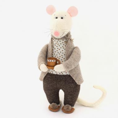 Крыс Домашний в тапочках